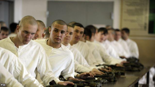 До скольки лет забирают в армию