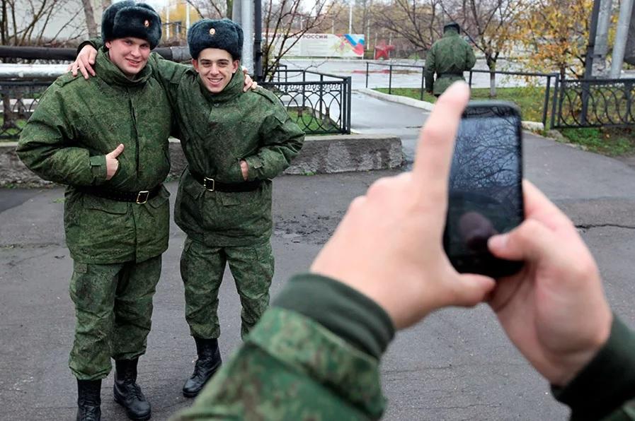 Фотографирование на смартфон в армии