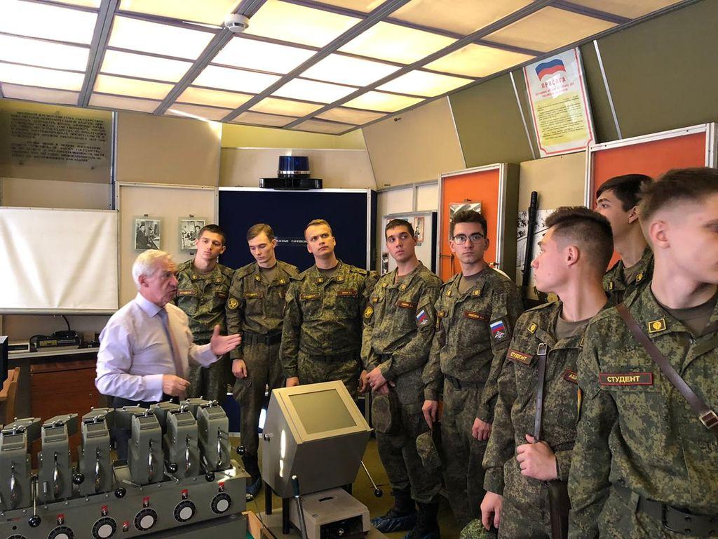 Студенты военного учебного центра