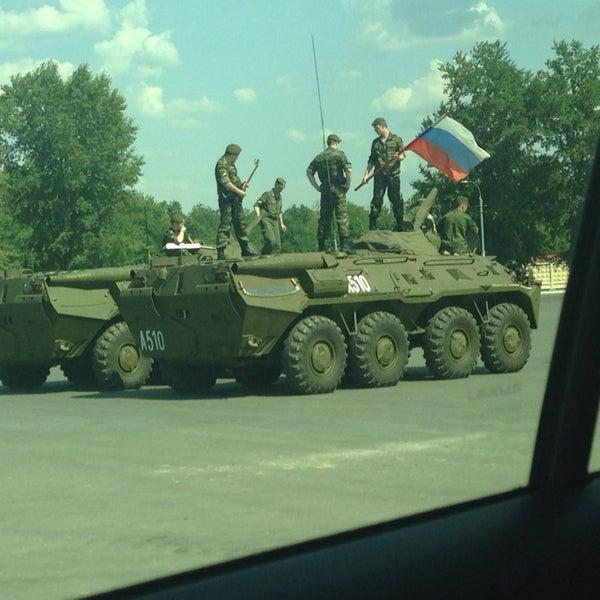 Солдаты ВВ на БТРе