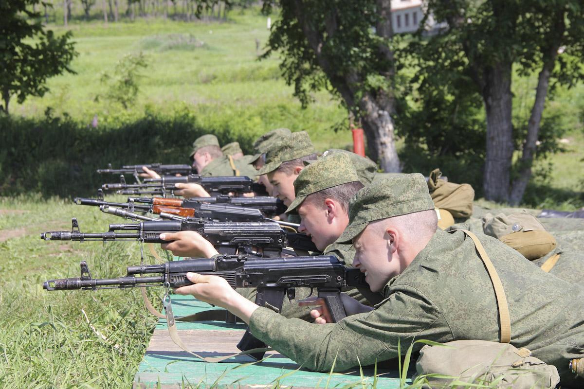 Стрельбы в армии