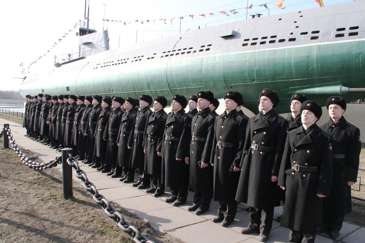 Военнослужащие подводной лодки