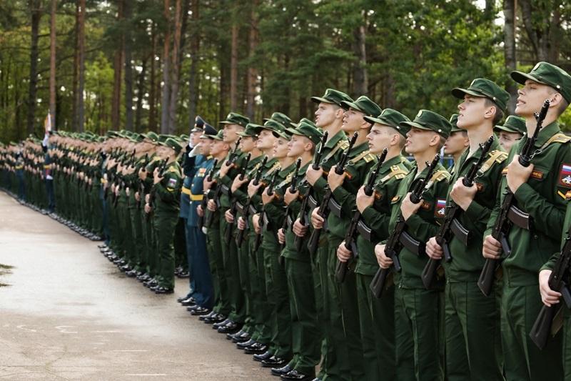 Военнослужащие на присяге
