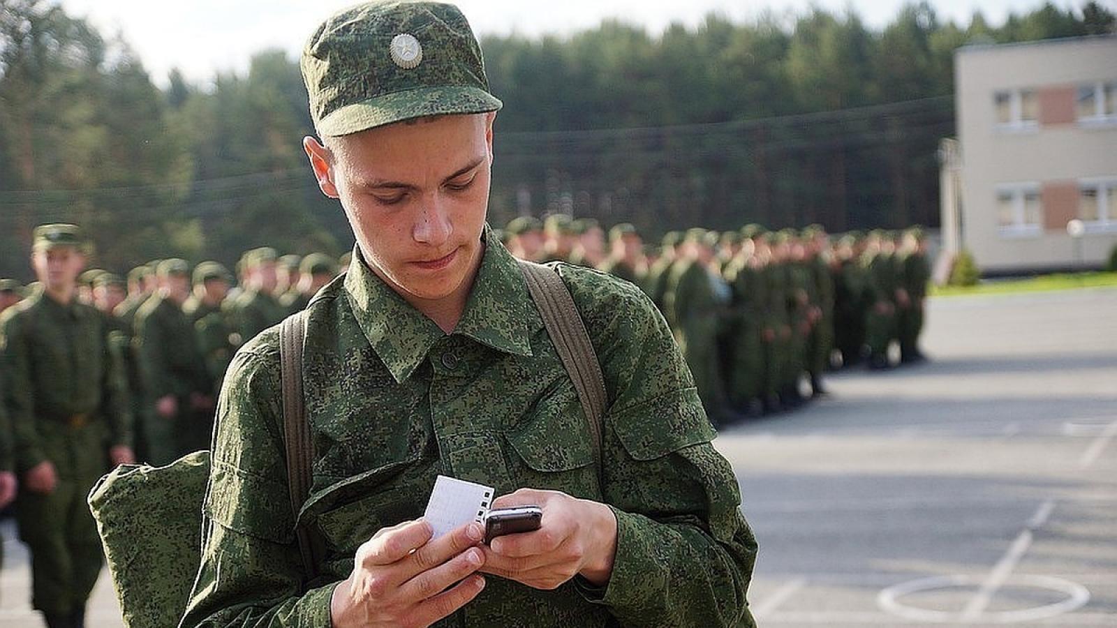 Солдат на службе